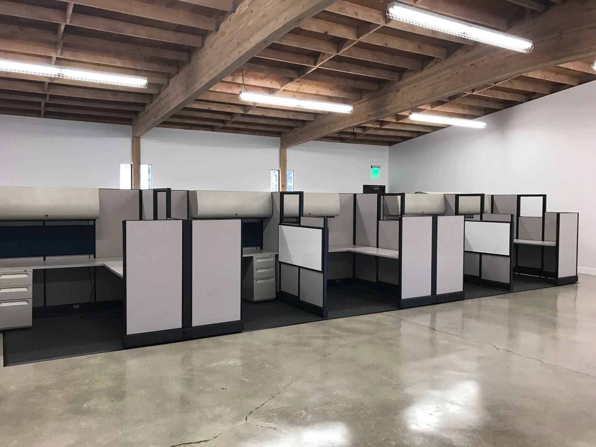 Ao2 Office Cubicles With Partial Glass Panels New Fabric