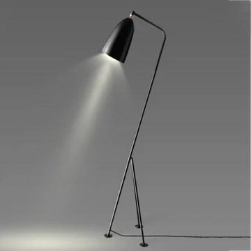 Lampadaires Lampe de plancher de fer minimaliste nordique, conception de trépied créatif, lampe de plancher de chambre à coucher moderne d'étude de salon, H150cm Lampadaires ( Color : Black )