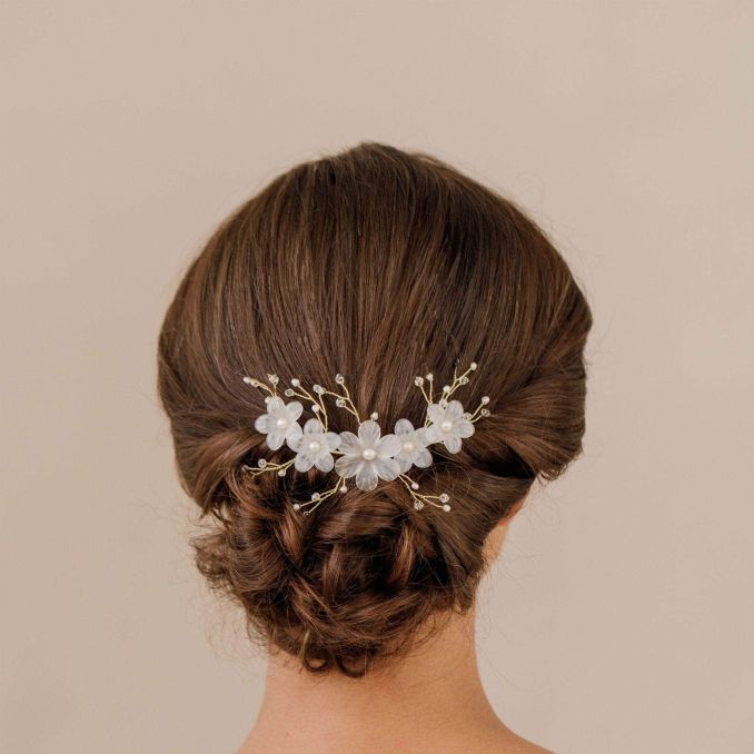 what are bridal head combs? | wedding hair combs | britten