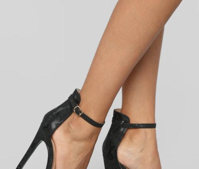 Float On Heeled Sandal Black
