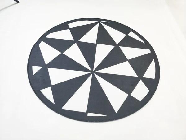 tapis rond forme geometrique