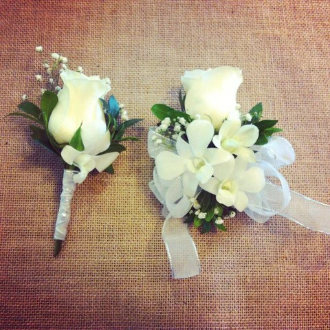Matching Corsage And Boutonnieres For Prom Les Fleurs