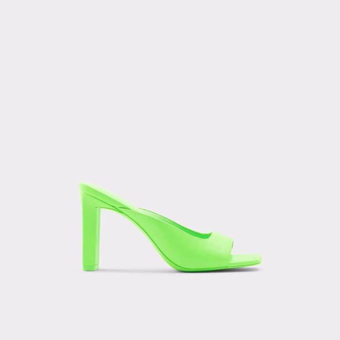 Gianina neon green mules