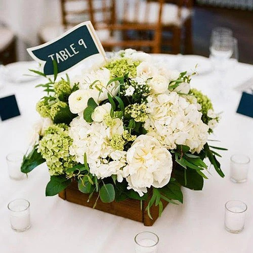 white green flowers square table centerpiece