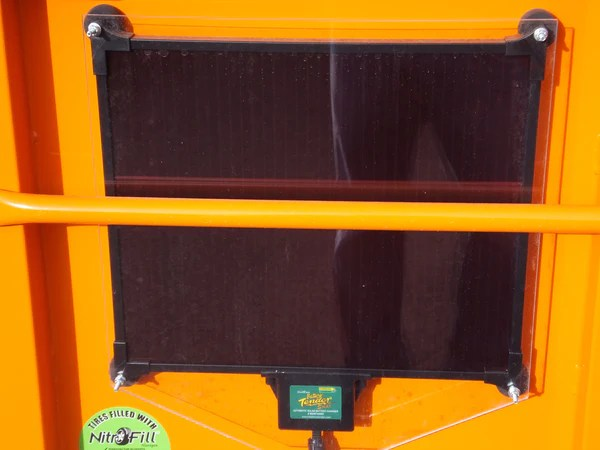 Solar Charger With Builtin Controller, 5Watt  Dump