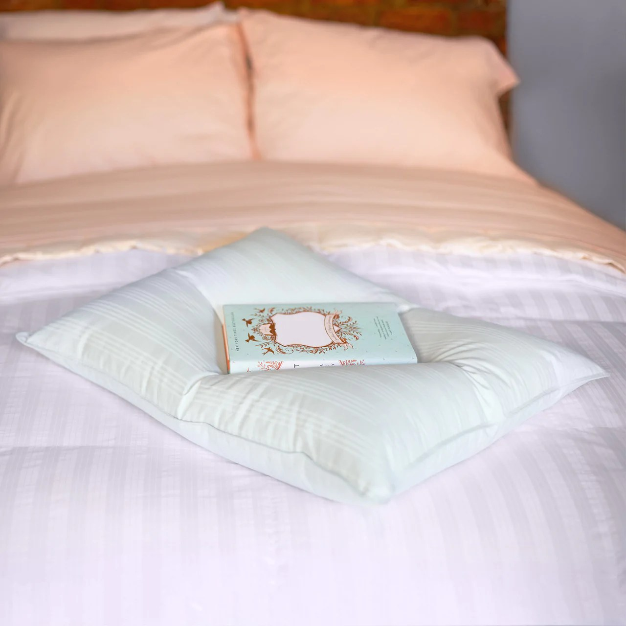 extra soft down alternative pillow