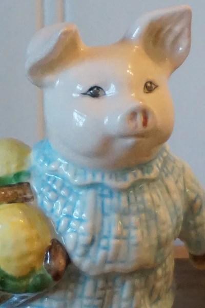 Little Pig Robinson Boxwood Lane Royal Albert