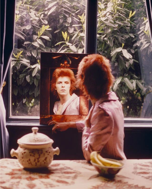 David Bowie, Mirror 1972 by Mick Rock