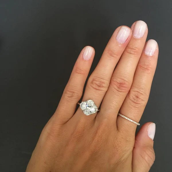 Oval Cut Engagement Ring With Epaulettes Stephanie
