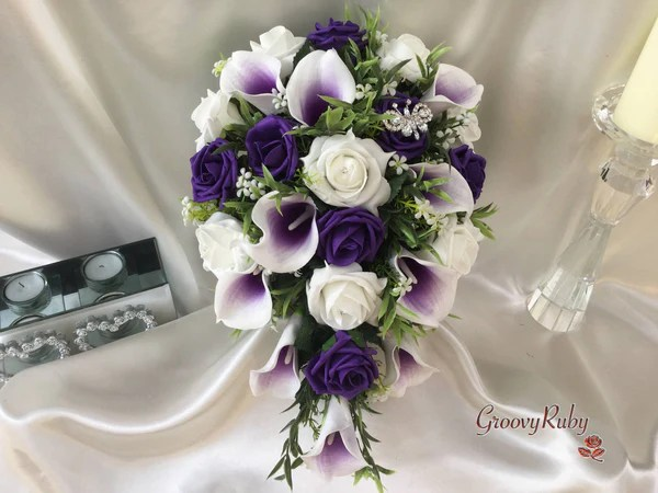 White Amp Cadbury Purple Centred Calla Lilies With Roses