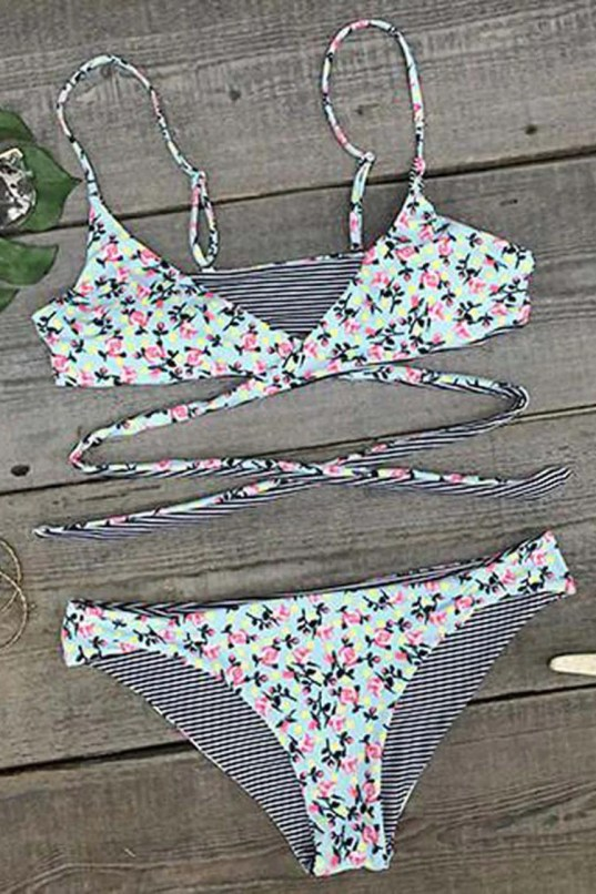 Cupshe Point Me at the Sky Floral Bikini Set