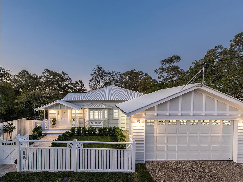 Stunning HamptonsQueenslander Style Home In Brisbane