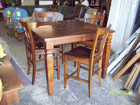 Today s Amazing Find  Counter height dining table 4 chairs 17213     Shop online  http   www amazingfindshome com products counter height dining  table 4 chairs 17213
