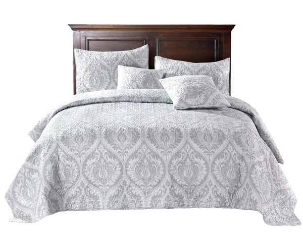 Bedspreads And Quilts Vs Coverlets And Comforters How Different Are Dada Bedding Collection