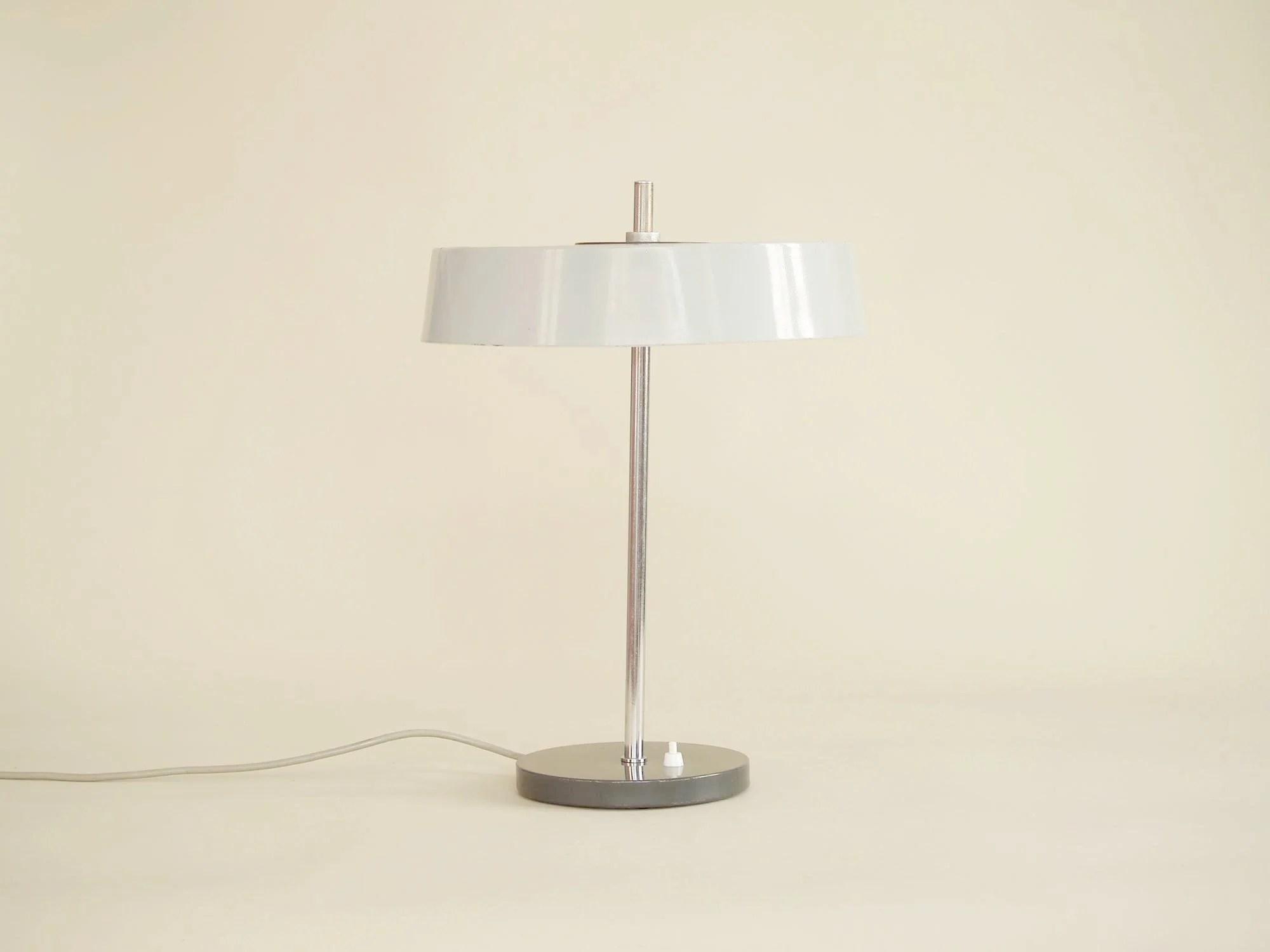 lampe de table moderniste attribuee a louis kalff pour philips pays b galerie stimmung