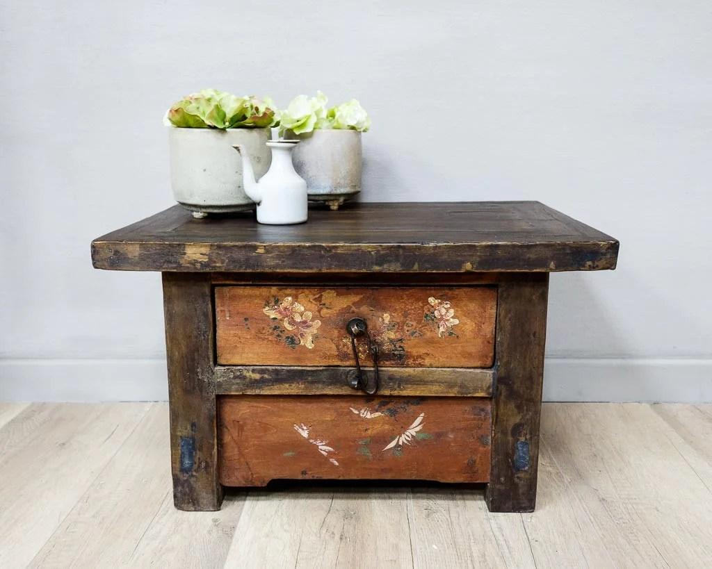 petite table d appoint avec un tiroir