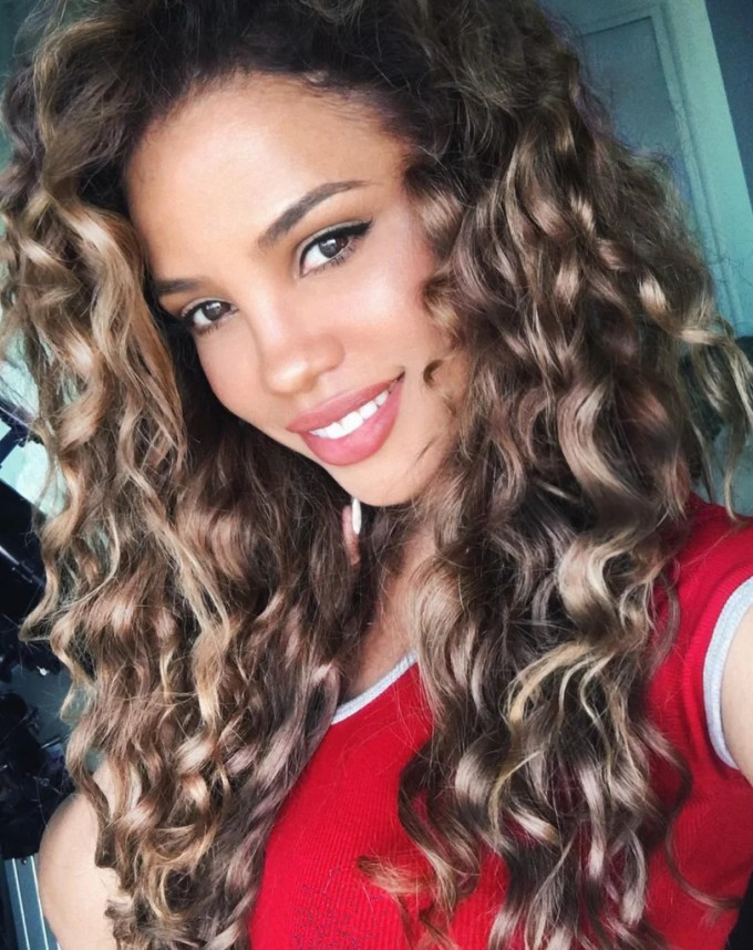 hairstyles for coarse curly hair – controlled chaos
