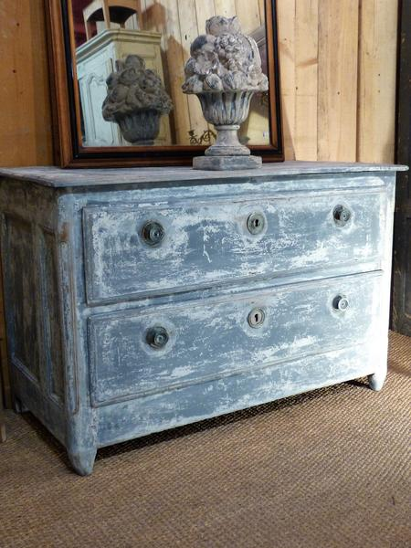 Navy blue commode
