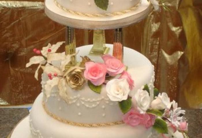 3 Tier Cascading Roses Lillies Wedding Cake Celticcakescom