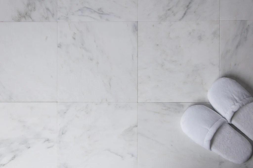 carrara venato marble field tile in