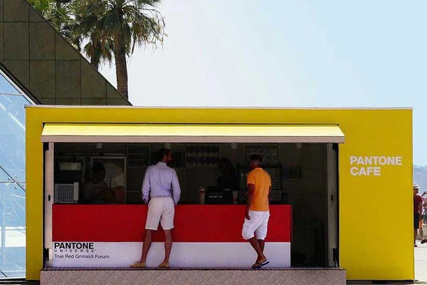 Pantone Cafe pop-up shop | Shopify Retail blog