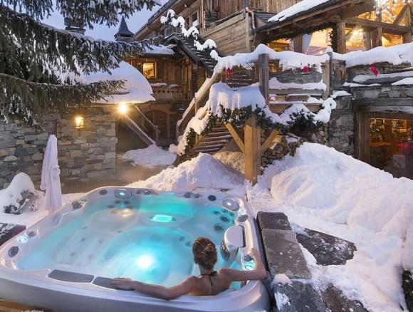 Winter Bachelorette Party Ideas | Hot Tub