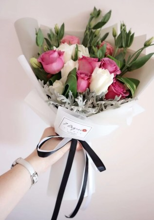Korean Style Hand Bouquet   Giftr   Malaysia s Leading Online Gift Shop Korean Style Hand Bouquet