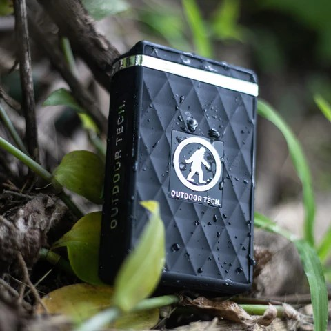 The Kodiak Ultra is a waterproof, dust & dirt resistant, rugged power bank for your electronic devices. It packs a 7800mAh rechargeable battery. Charge your phone or almost any other small electronics via the USB C or standard USB port. The built-in 100 lumen LED light system has a hi-beam, low-beam, and SOS/strobe mode to help illuminate pretty much any situation.