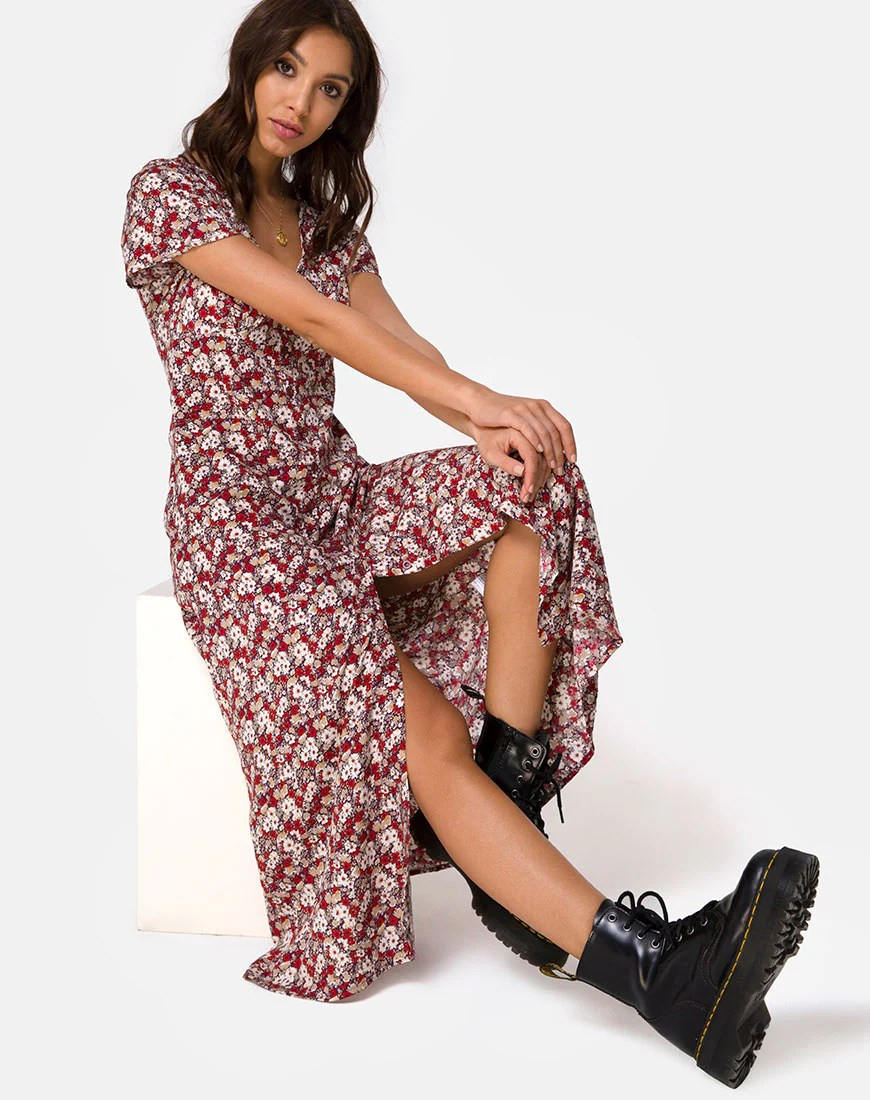 Larin Midi Dress in Floral Charm Red by Motel 1