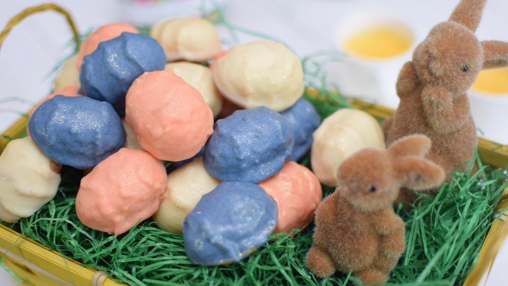 Bunte Schokoladen Ostereier Aus Eierlikrkuchen