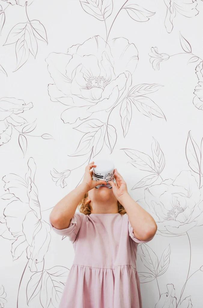 Boho Chic Girl S Bedroom Inspo Delicate Floral Wallpaper Livettes