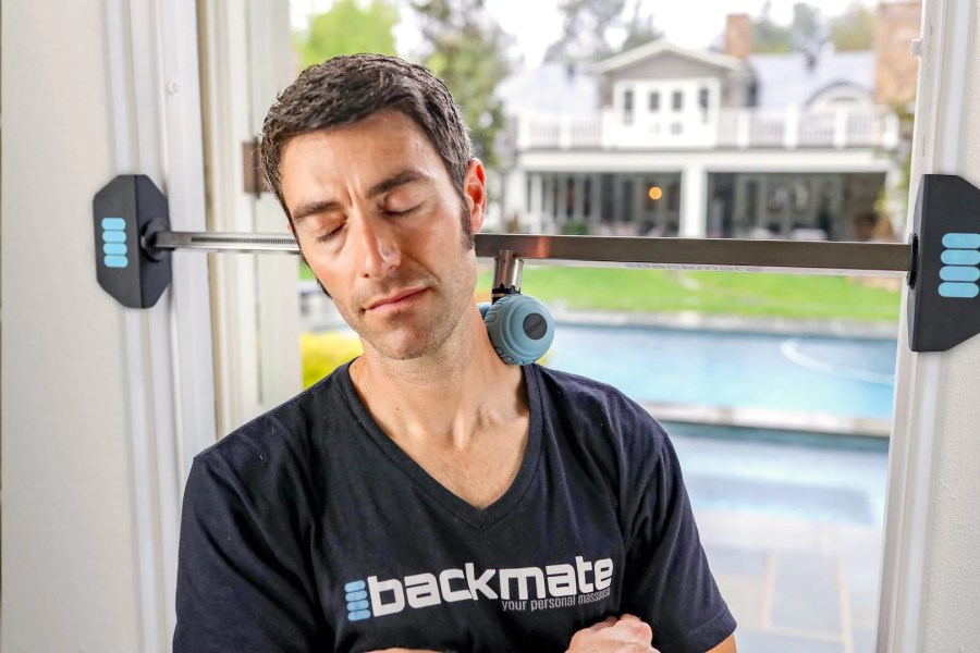 backmate helps with tech neck