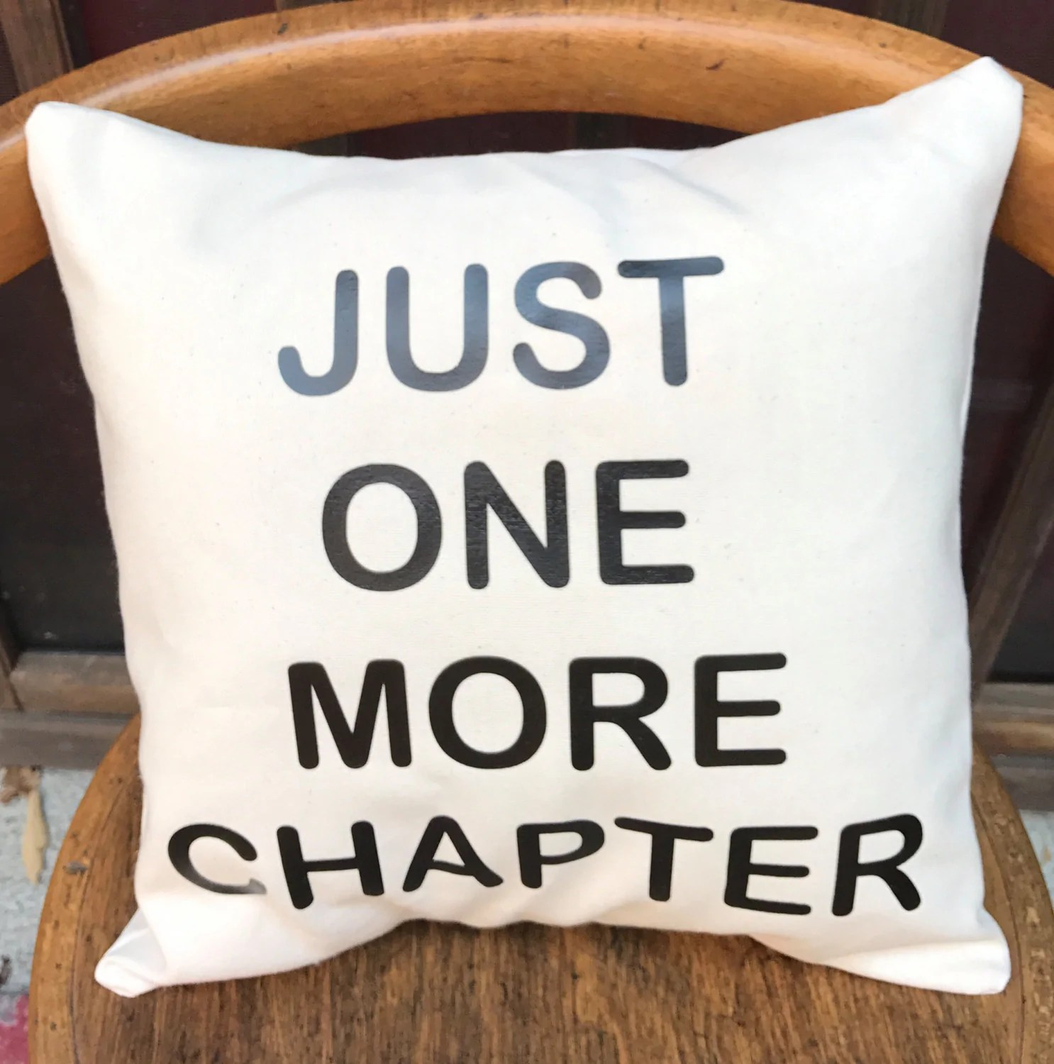 reader gift just one more chapter throw
