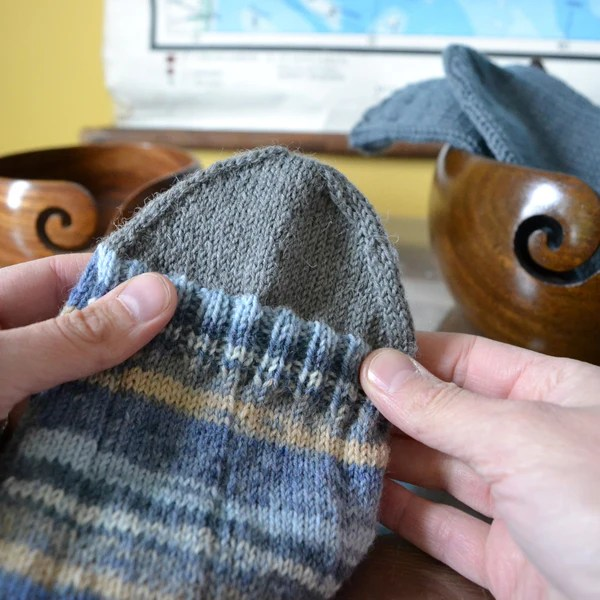 Jälkijättöinen kantapää (afterthought heel) miten teen villasukan kantapään helposti