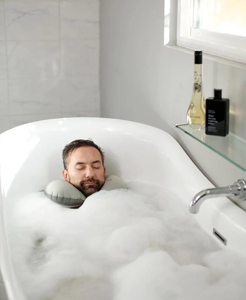 the head floater luxury bath pillow