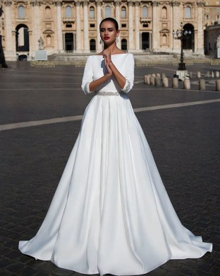 2018 White Wedding Dresses with Half Sleeve Elegant Boat Neck A line     2018 White Wedding Dresses with Half Sleeve Elegant Boat Neck A line Bridal  Wedding Gowns Backless