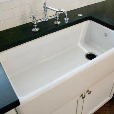 rohl shaws 36 fireclay single bowl farmhouse apron kitchen sink white rc3618wh