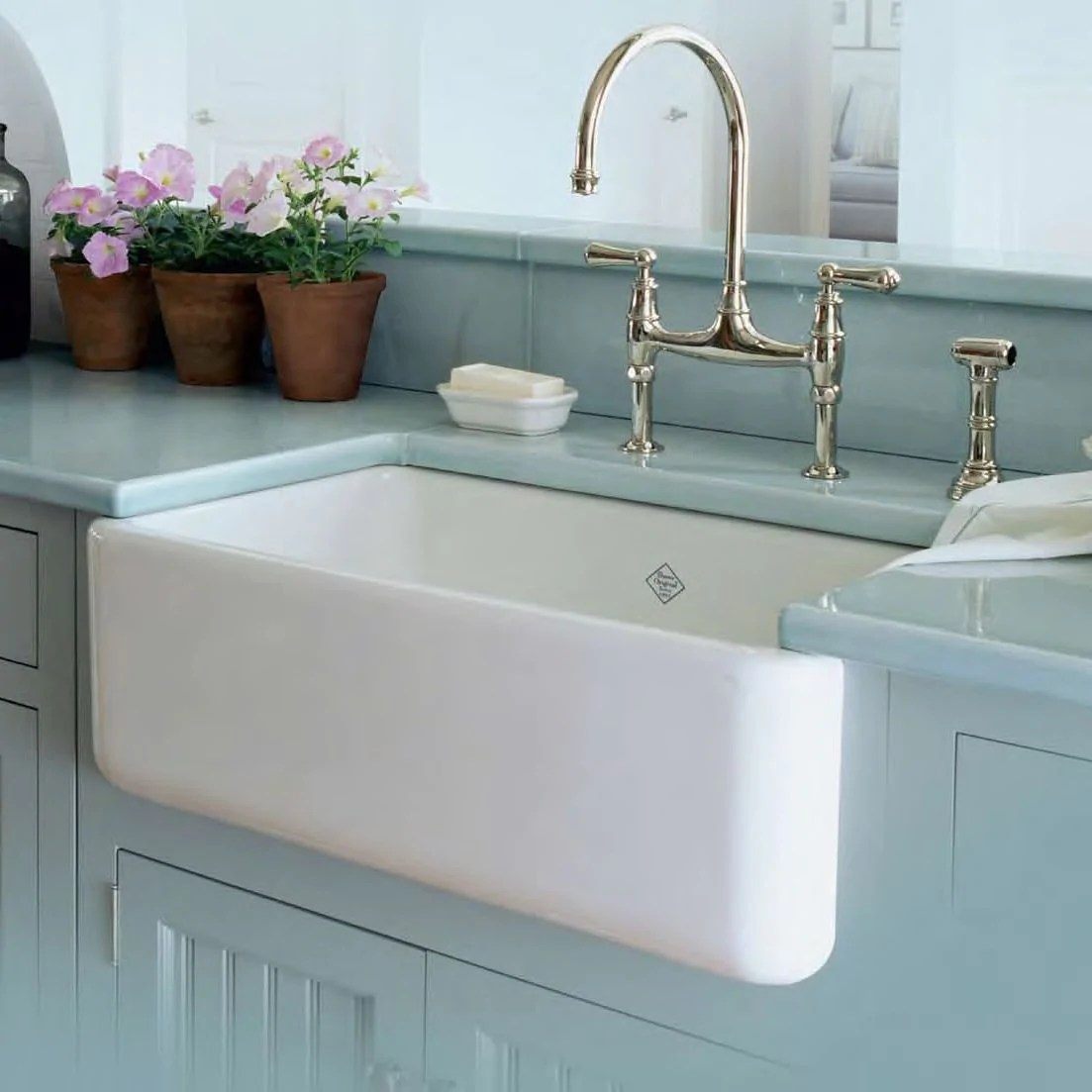 apron front fireclay kitchen sink