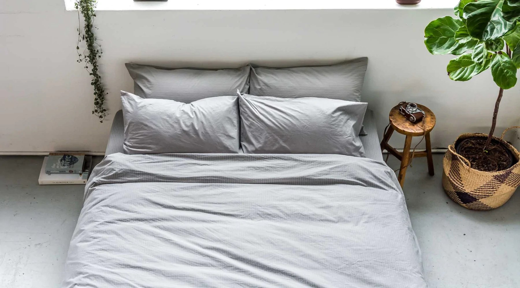 how to create a minimalist bedroom design the good sheet