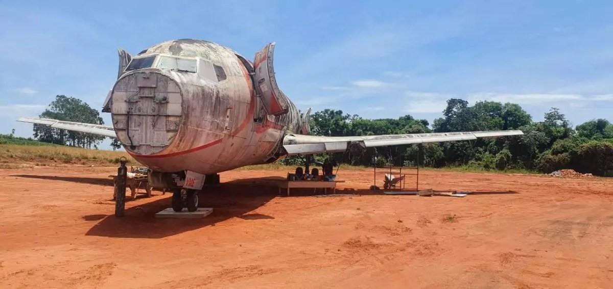 Empresário adquire avião para transformá-lo em restaurante, hotel e simulador de voo 2