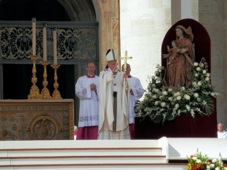 Pope to visit Lebanon, Hold Summit with Lebanese Christian Leaders