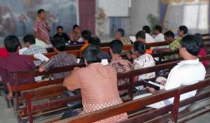 Muslims pour into Christmas companies in Indonesia - Mission Community Information