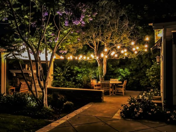 awesome bistro string lighting concepts