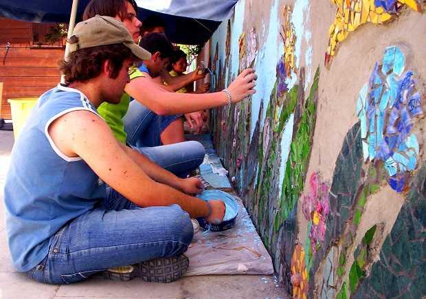 Come Fare Un Mosaico Con Piastrelle Rotte Idee Green