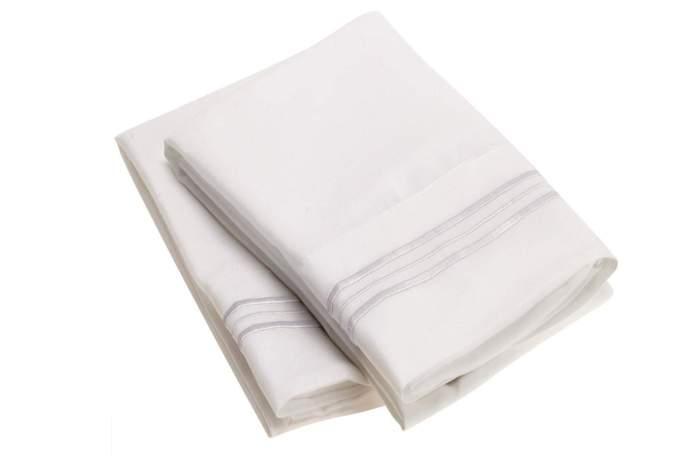 Mellanni Luxury pillowcase set, stain resistant