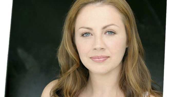 Carrie Ruscheinsky is the life-partner of reputed Canadian TV actor Tyler Labine.
