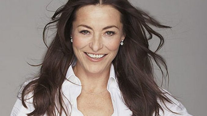 Amanda Donohoe is married to Russell Haswell.