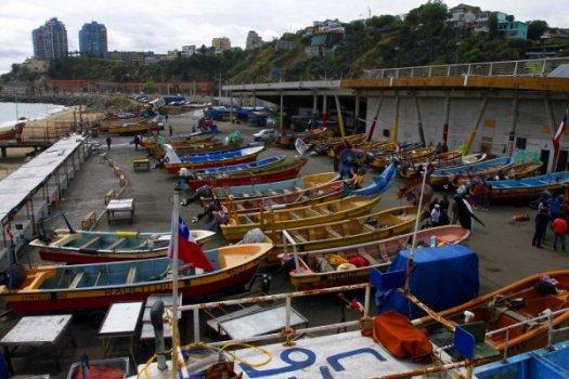 Covid-19 pescadores cierran caleta y restaurantes