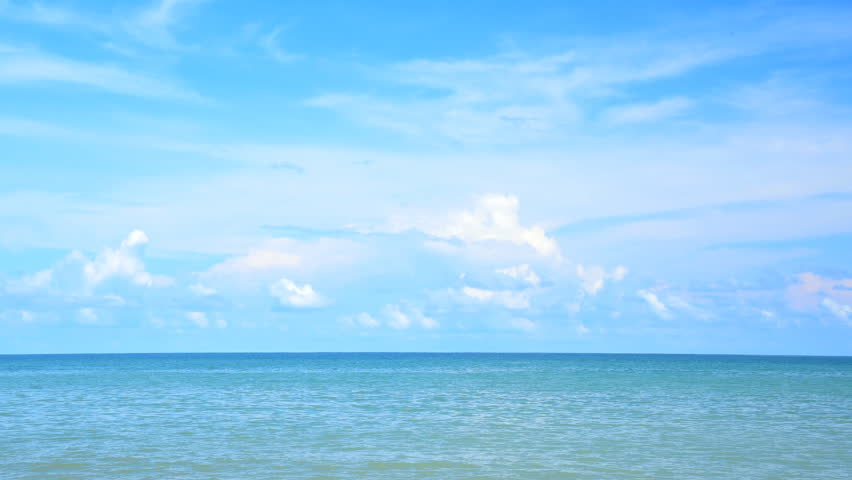 Video 3840x2160 UHD The Sky Over The Ocean Daytime