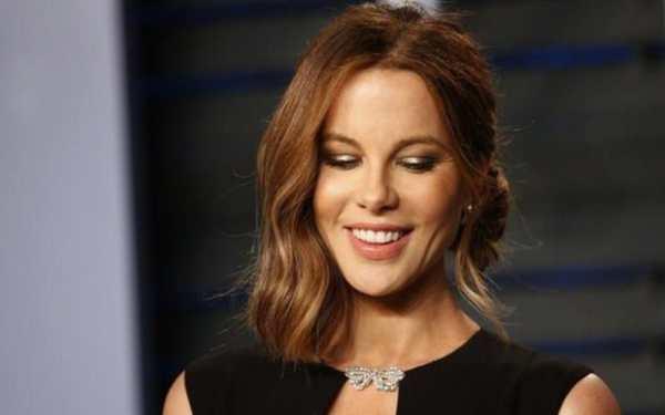 I look exactly like Ryan Reynolds: Kate Beckinsale